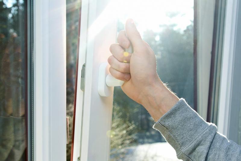 reparation mécanisme fenêtre oscillo-battant bloqué